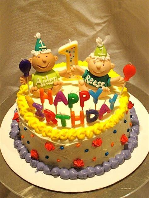 ideas  twin birthday cakes  pinterest     party twin
