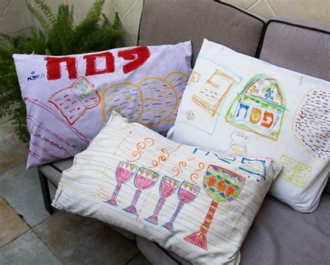 Decorating Pillowcases For by Passover Kid S Craft Decorate Pillowcases For The Seder