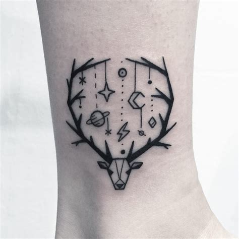 cool tattoo designs to draw that s a cool way to frame something and dangling more