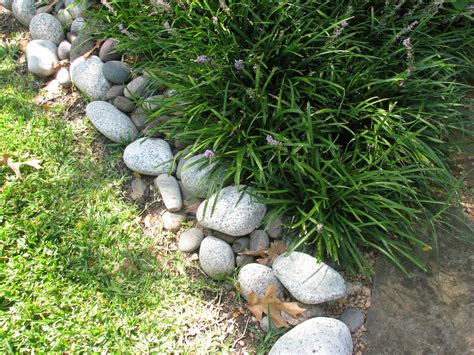 Rocks For Garden Borders How To Edge A Garden Garden Guides