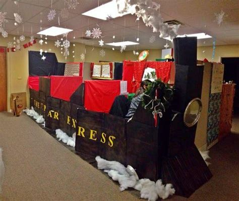 office decorated in the polar express 19 of the best and worst office decorations you ve seen