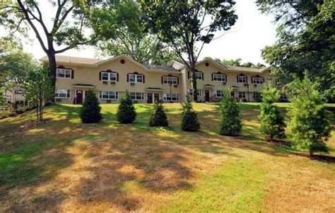 great neck house spinney hill homes rentals great neck ny apartments com