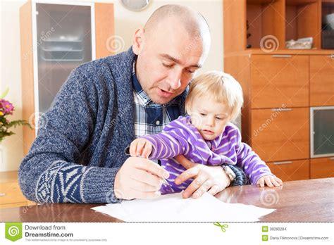 www padre manosea a hija com padre manosea la hija padre que trabaja con la hija