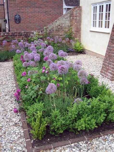 small cottage garden cottage garden romsey hshire perkins garden