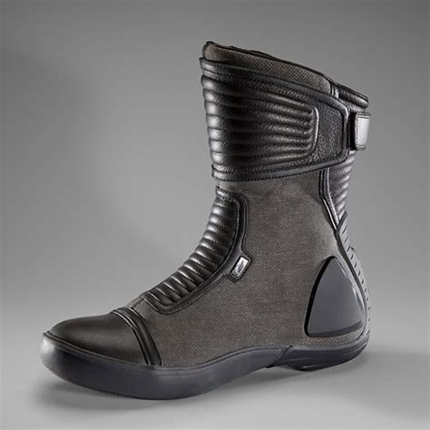 lightweight motorcycle boots mens vulcan slightly lower cut than hunt and glove vulcan is
