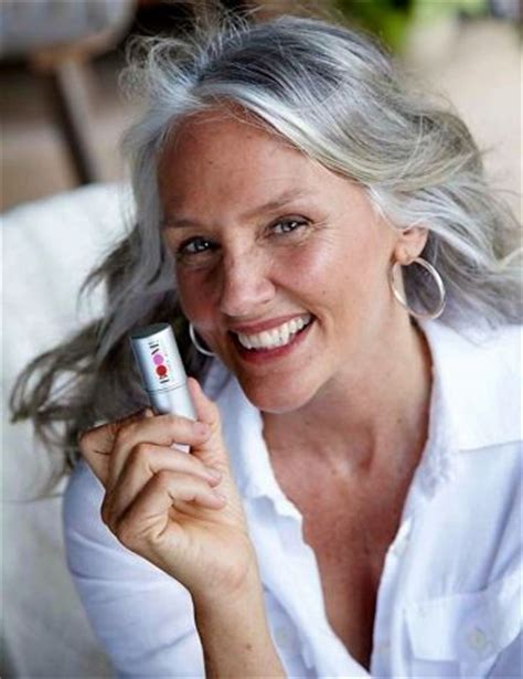 photos of 62 year olds 62 year old model cindy joseph s nivea ad banned for