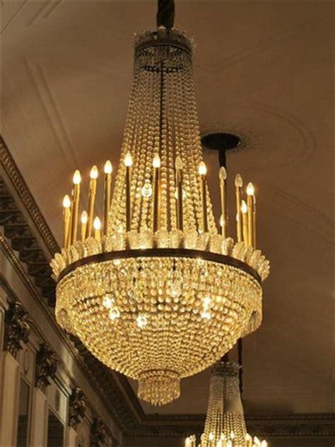 foyer traduzione chandelier in foyer foto di teatro alla scala