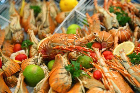 east coast seafood buffet gobo chit chat seafood buffet traders hotel kuala
