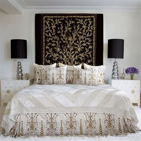 quilt or rug as headboard decorating inspiration pinterest