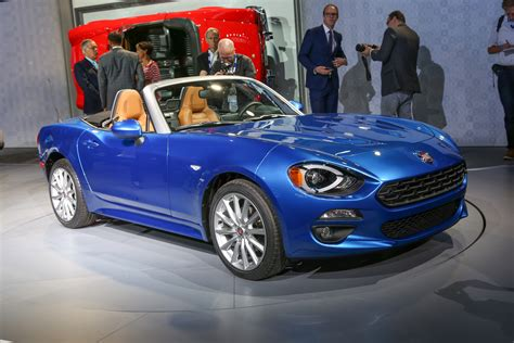 2017 fiat 124 spider look review motor trend