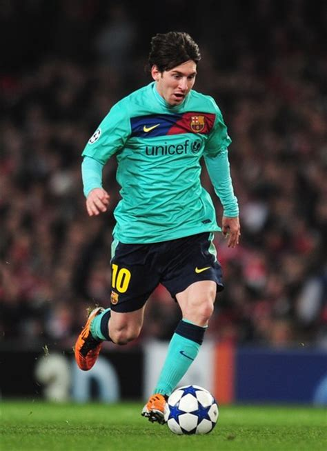biography messi soccer player football player s biography 7 lionel messi