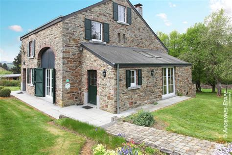 large cottages to rent cosy accommodation with large garden to rent