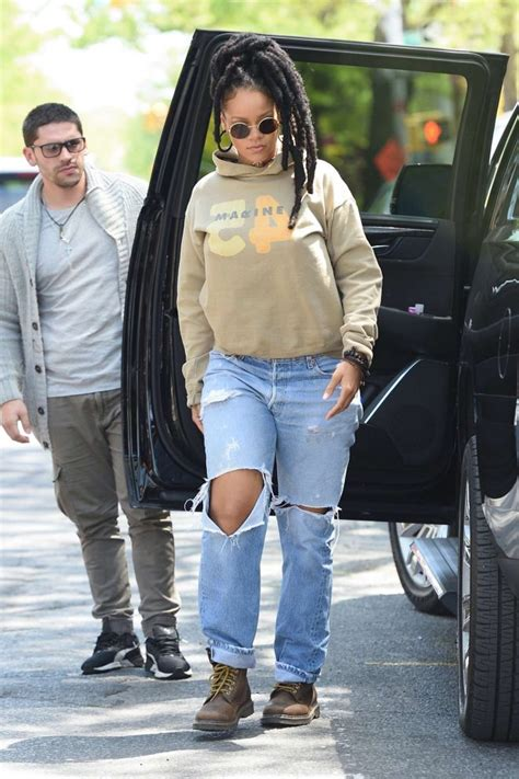 Riana Set rihanna heading to the set of oceans 8 21 gotceleb