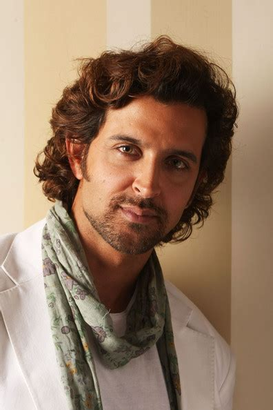 how to do hrithik hairstyle more pics of hrithik roshan medium wavy cut 10 of 18