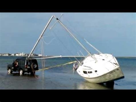 sailboat accident land rover discovery vs sailboat accident лодачку сламали