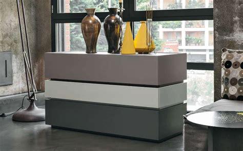 e comodini moderni comodini moderni e contemporanei oliva arredamenti