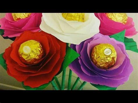 ramos de rosas para san valentin flores de papel con chocolates para san valentin ramo de