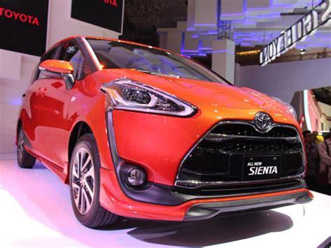Murah Cover Pelindung Mobil Sienta harga varian terendah toyota sienta lebih murah dari honda mobilio rs cvt mobil123