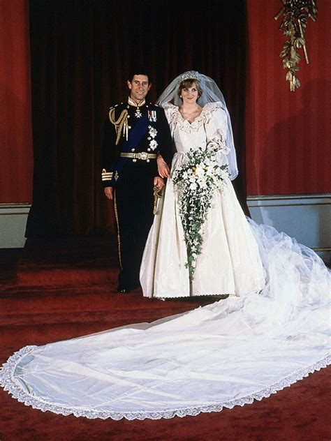 Dianas Dress Sells For 60000 by Diana S Wedding Dress Replica Sold At Auction The