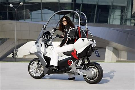 bmw c1 e an electric motorcycle with car safety features