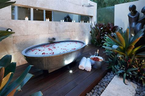 water backing up into bathtub 23 amazing inspirations that take the bathroom outdoors