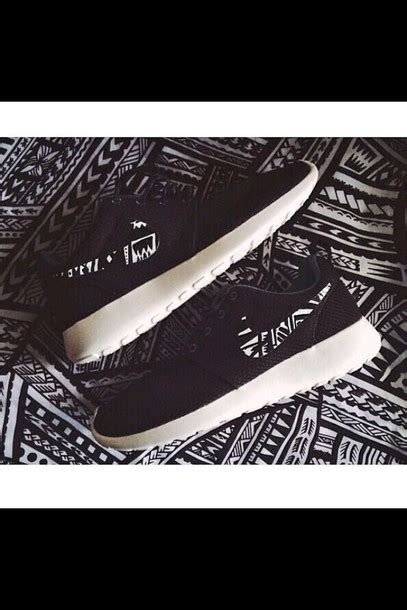 black and white pattern nikes nike roshe run pattern asics patriot