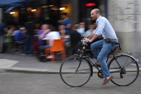 pedalare pedalare ebook 5 benefici nascosti dell andare in bici al lavoro