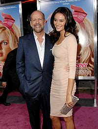 Bruce Willis Dating 23 Year Playmate Model by Bruce Willis Weds Hemming At His Caribbean