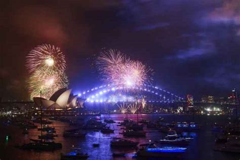 when does new year start in australia celebrations begin as australia new zealand welcome 2018