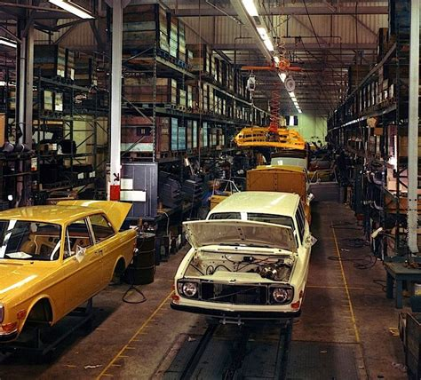 volvo assembly line 558 best images about volvo 140 reeks on