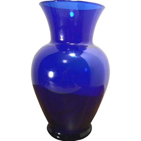 Blue Glass Vase vintage blue glass vase from timelesstokensde on ruby