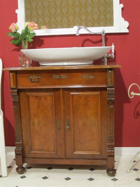 kommode umbauen waschtisch bad antik landhaus schafft w 228 rme und behaglichkeit