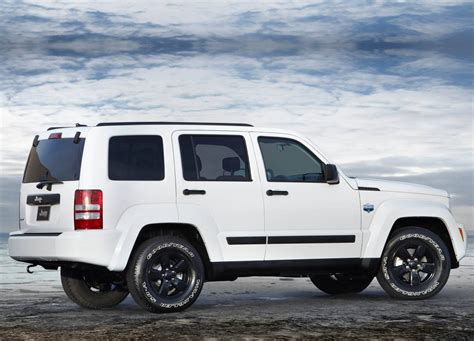 Jeep Liberty Recall Fca Recalls Half A Million Jeeps Dodge And Chryslers