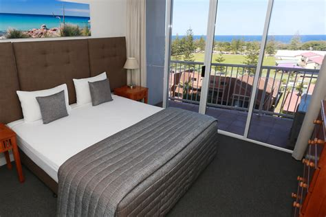 one bedroom apartment gold coast one bedroom apartments gold coast for rent 28 images