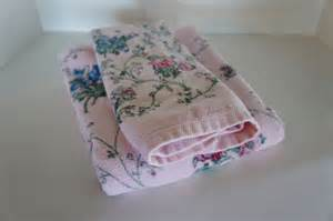 flowered bath towels vintage jcp pink floral towels bath and towel cottage