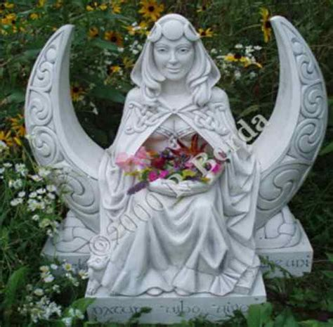 Garden Goddess by Moon Goddess Garden Statue 528gmgb The Witch S Wart Home Of Splendid Treasures A