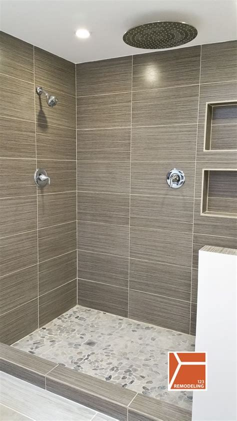Bathroom Tiled Showers Ideas by 25 Best Ideas About Vertical Shower Tile On