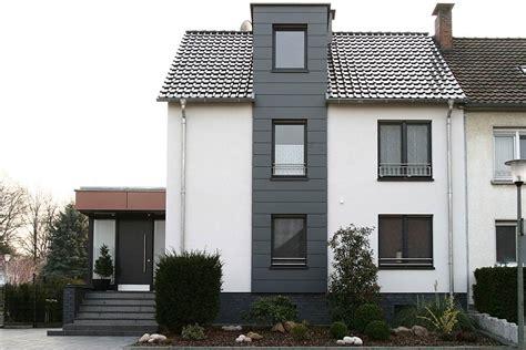 Graue Fassade Weiße Fenster by Fenster Galerie Wigger Fenster Fassaden Gmbh