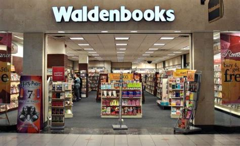 waldenbooks store mall stores from the 90s we loved but never really bought
