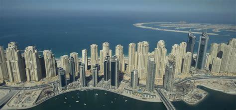 largest beach in the world η απίστευτη πολυτέλεια του ντουμπάι από ψηλά