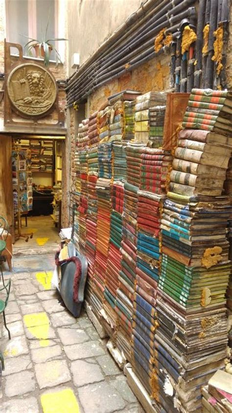 venezia libreria acqua alta libreria acqua alta a venezia un luogo incantato fra