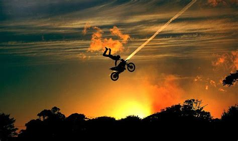 how to jump a motocross bike best 25 motocross photography ideas on