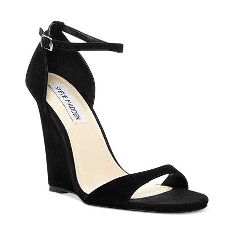 steve madden sandals black steve madden reeldeal wedge sandals in black lyst