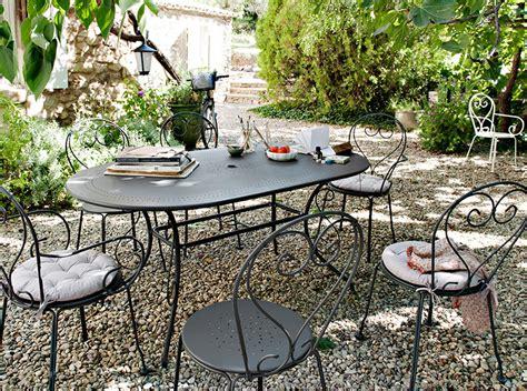 Charmant Fauteuil De Jardin Castorama #1: amenagement-jardin_salon-jardin_flores-ambiance.jpg