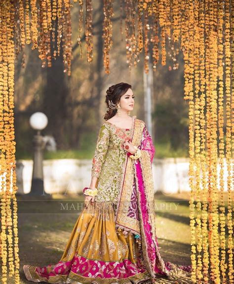 beautiful mehndi photoshoot  nimra khan pakistani drama celebrities