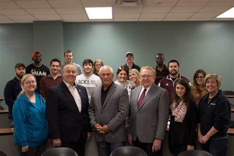 Of Kentucky Mba Application Deadlines by Jim Guice Visits School Of Business Students School Of