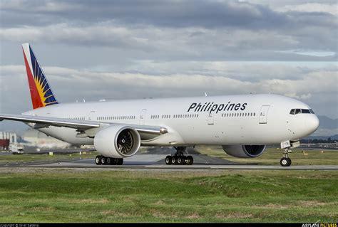 philippine airlines boeing 777 flights rp c7774 philippines airlines boeing 777 300er at manila