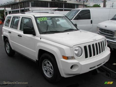 white jeep patriot 2008 2008 jeep patriot sport in stone white clearcoat 632570