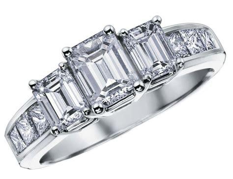three anniversary ring 2 carat ctw in 14k