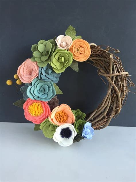 Handmade Felt Flowers Tutorial - 25 best ideas about felt flower wreaths on